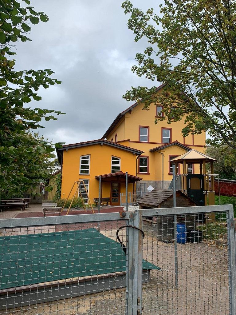 Kindergarten Wernarz - Fassade / Farbe / Öffentliche Projekte von Maler Zeier